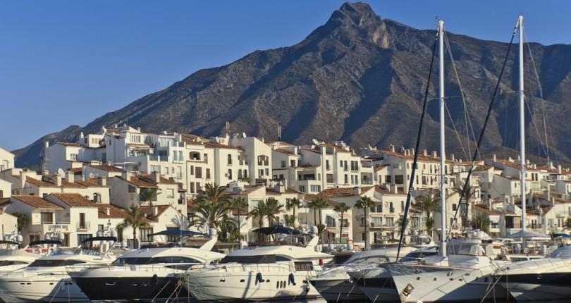 Puerto Banus Marbella Agence FWF Invest 75017 PARIS